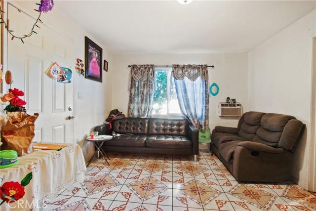 7. 919 Gonzales Street Placentia, CA 92870