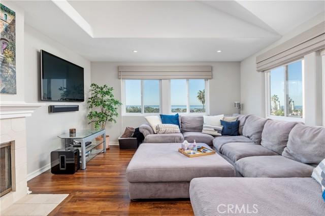607 Juanita Avenue B, Redondo Beach, California 90277, 3 Bedrooms Bedrooms, ,3 BathroomsBathrooms,For Rent,Juanita,SB21040025