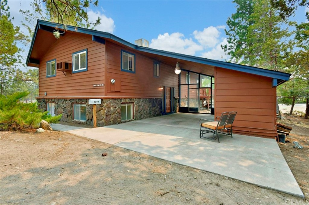 5443     Stag Mountain Road, Weed CA 96094