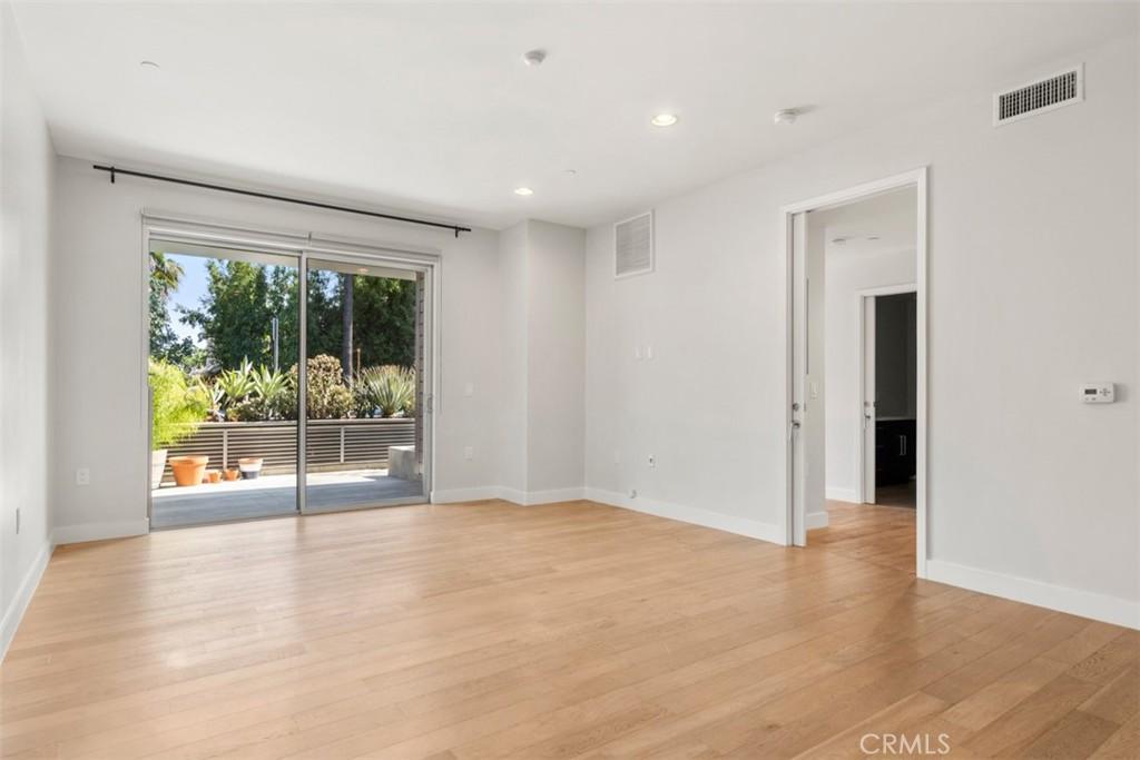 Hollywood 产权公寓