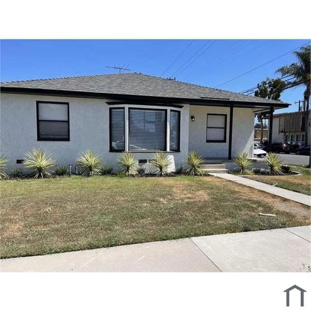 4702 Montair Avenue, Long Beach CA: https://media.crmls.org/medias/cfa31913-b359-4aab-a034-60cd337da364.jpg