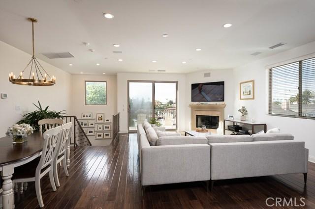 617 Pacific Coast A, Redondo Beach, California 90277, 4 Bedrooms Bedrooms, ,3 BathroomsBathrooms,For Sale,Pacific Coast,SB20046115