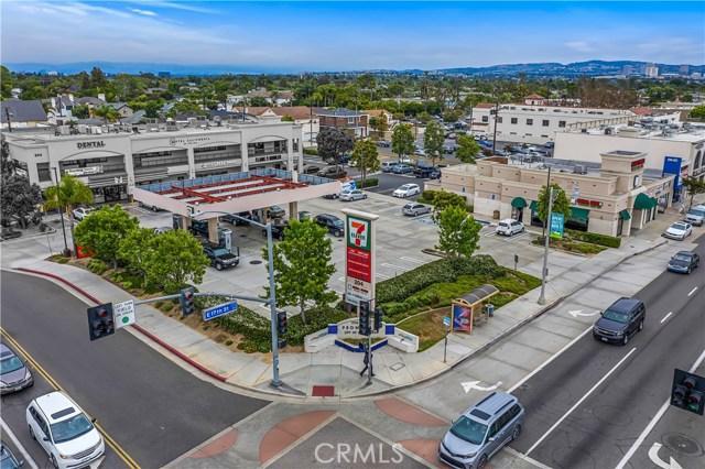 218 E 17th Street, Costa Mesa, CA 92627