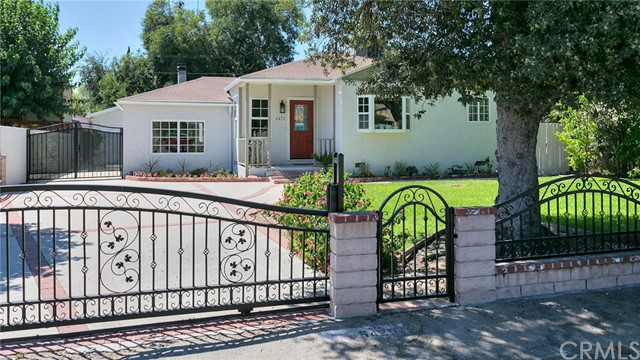 6425 Elmer Avenue, North Hollywood, CA 91606