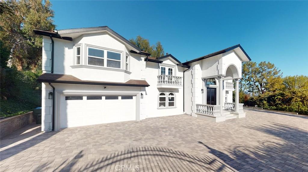 4967     Bilmoor Avenue, Tarzana CA 91356