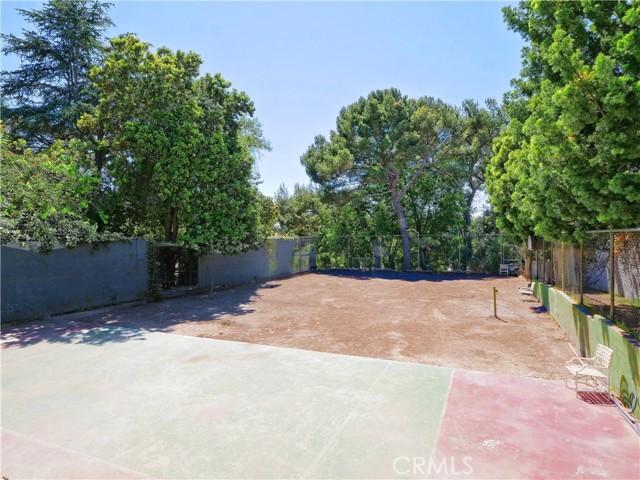 37. 19 Dapplegray Lane Rolling Hills Estates, CA 90274