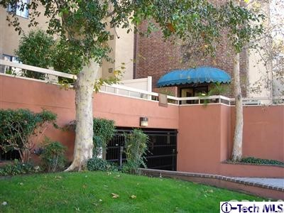 460 Oak Street 113, Glendale, CA 91204