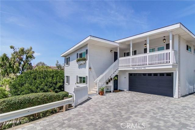 Photo of 401 Fernleaf Avenue, Corona del Mar, CA 92625