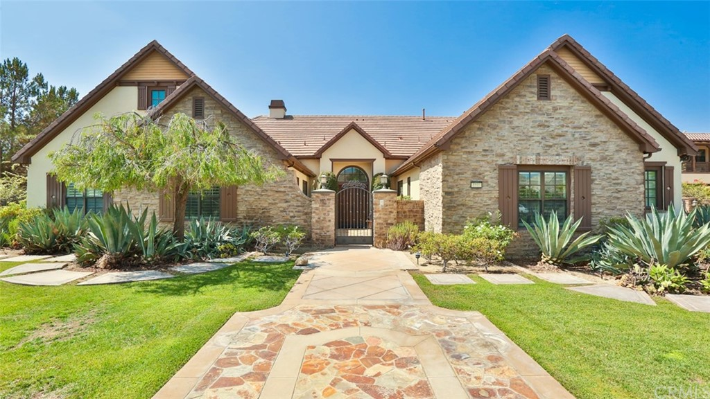 Photo of 4195 Hidden Oaks Drive, Yorba Linda, CA 92886