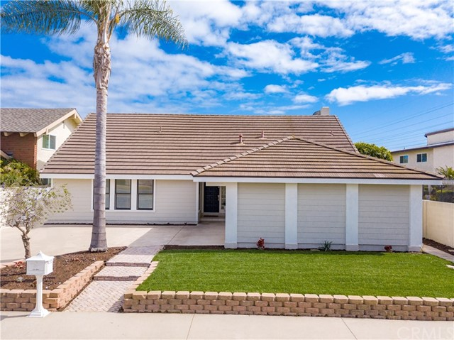 8682 Garfield Avenue, Huntington Beach, CA 92646