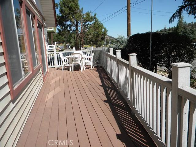 No maintenance deck and railing