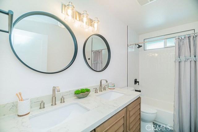 1148 Poinsettia Avenue, Manhattan Beach, California 90266, 3 Bedrooms Bedrooms, ,3 BathroomsBathrooms,For Sale,Poinsettia,PW20243122