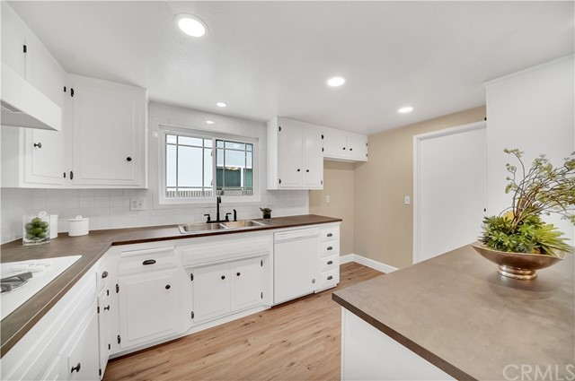 8. 18549 Lime Circle Fountain Valley, CA 92708