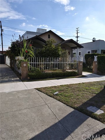 5522 S Manhattan Place, Los Angeles, CA 90062