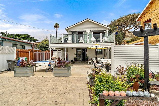 425 Pacific Avenue, Cayucos, CA 93430