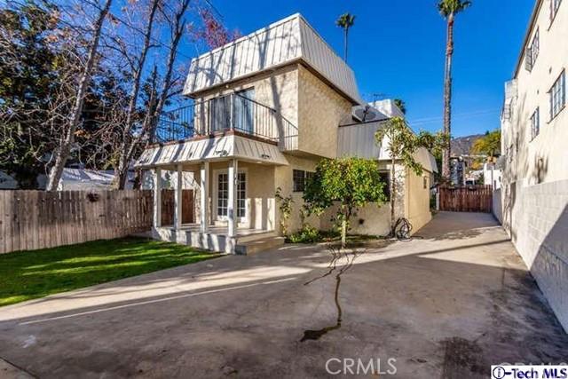 548 Glenwood Road, Glendale, CA 91202