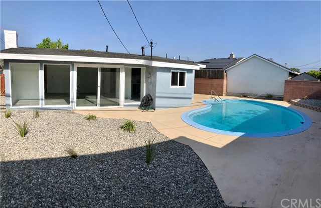 Image 3 of 2288 San Vicente Ave, Long Beach, CA 90815