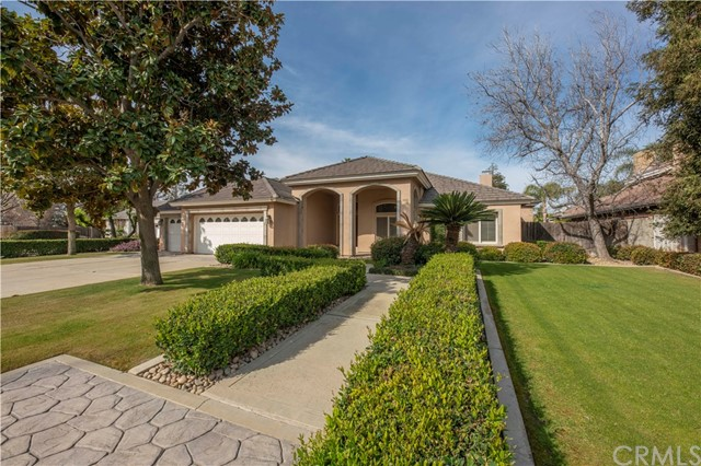 6715 Park West Circle, Bakersfield, CA 93308