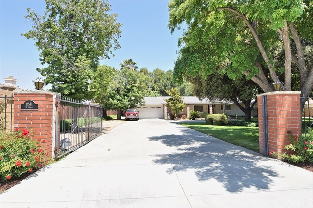 1241 S Kirby Street, San Jacinto, CA 92582
