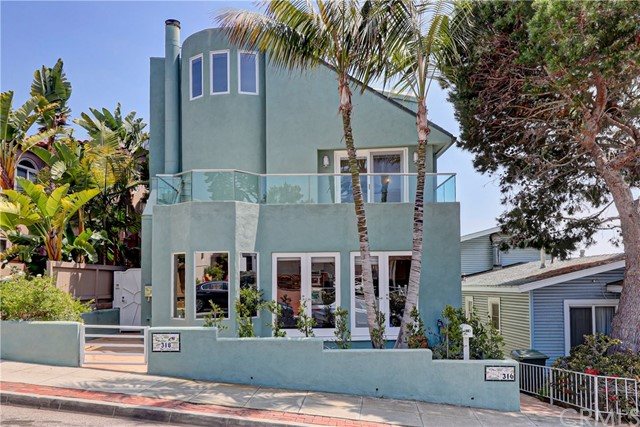 316 24th Street, Hermosa Beach, California 90254, 3 Bedrooms Bedrooms, ,4 BathroomsBathrooms,For Sale,24th,SB20249963
