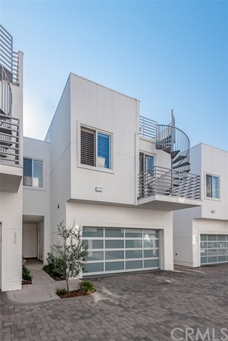 634 4th Street 7, Hermosa Beach, California 90254, 3 Bedrooms Bedrooms, ,3 BathroomsBathrooms,For Sale,4th,SB20179575