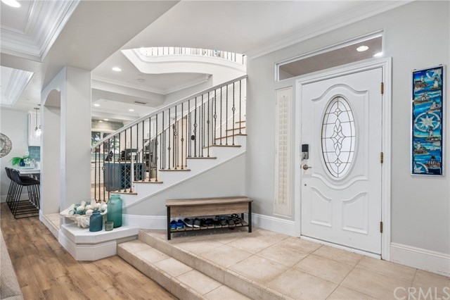 2 Step Entry - What a beautiful front door!
