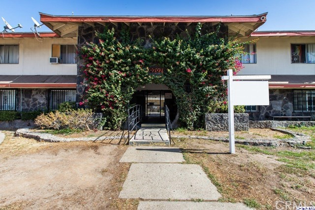10707 New Haven Street 8, Sun Valley, CA 91352