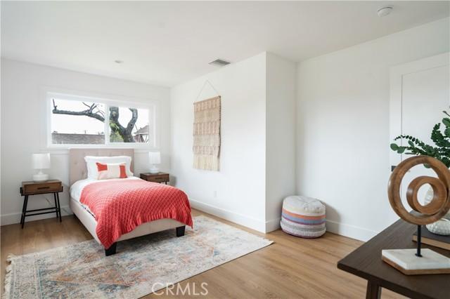 29. 4627 Pepperwood Avenue Long Beach, CA 90808