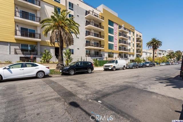 2. 2939 Leeward Avenue #202 Los Angeles, CA 90005