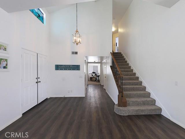 19. 1891 Prance Court Simi Valley, CA 93065