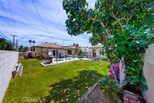 18. 6050 Gloucester Street East Los Angeles, CA 90022