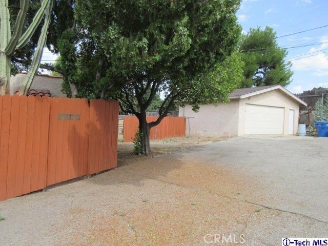 10725 Art Street, Sunland, CA 91042