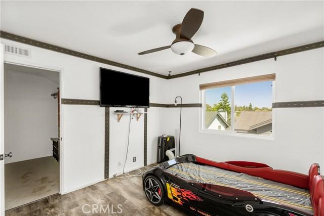 34. 2200 Canyon Drive #A3 Costa Mesa, CA 92627
