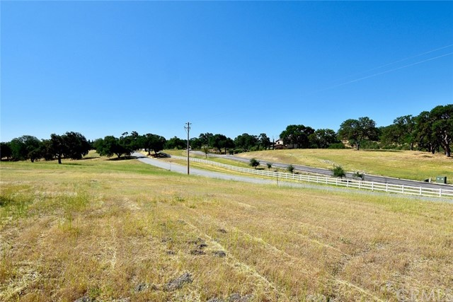 1610 Pin Oak Lane, Templeton, CA 93465