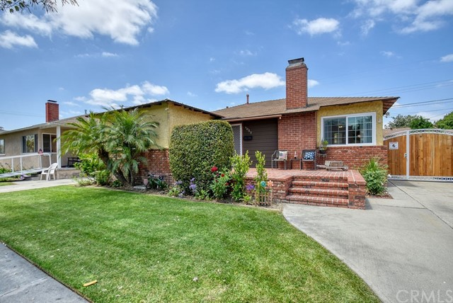 6013 Oliva Avenue, Lakewood, CA 90712