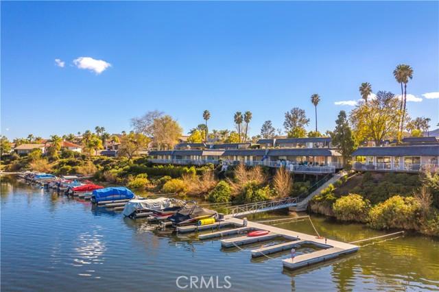 22386 Canyon Club Drive, Canyon Lake CA: https://media.crmls.org/medias/d2564efa-cc94-4638-9a5c-c1170ed95ce1.jpg