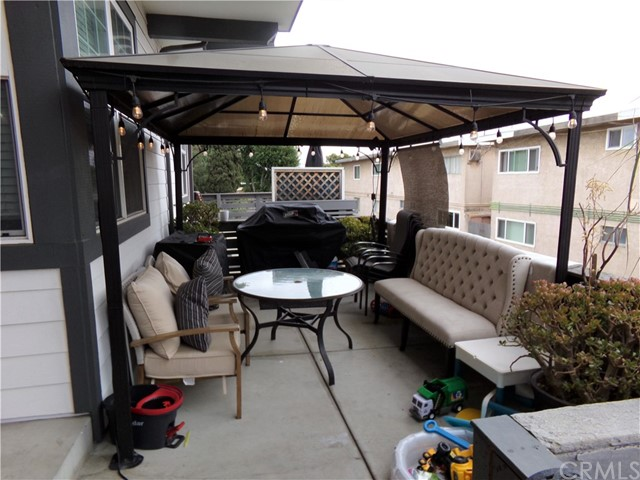 12012 Downey Avenue, Downey, California 90242, 3 Bedrooms Bedrooms, ,3 BathroomsBathrooms,Residential,For Sale,Downey,DW21106670