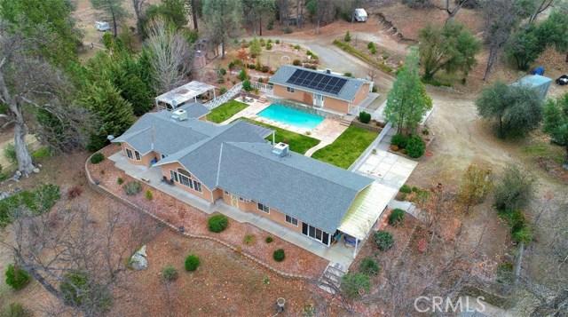 49880 Sierra Robles Drive, Oakhurst, CA 93644