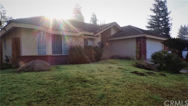 450 Colby Place, Porterville, CA 93257