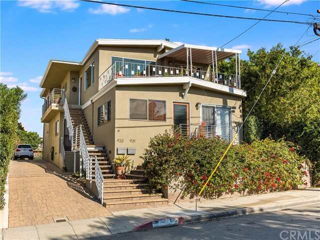 931 17th Street, Hermosa Beach, California 90254, ,For Sale,17th,SB21001222