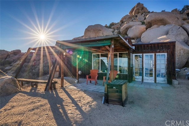 51143 Naples Court, Pioneertown, CA 92268