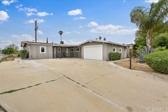 748 S Orange Avenue, Rialto, CA 92376