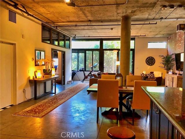 835 Locust Avenue, Long Beach, California 90813, 2 Bedrooms Bedrooms, ,1 BathroomBathrooms,Condominium,For Sale,Locust,PV19095762