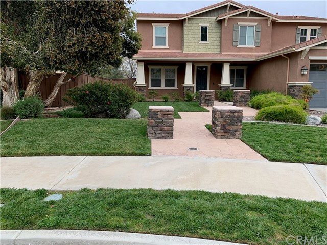 211 Pomegranate Street, San Jacinto, CA 92582