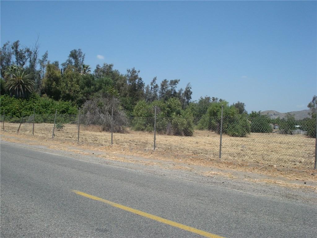 4590 Riverview Drive, Jurupa Valley, CA 92509