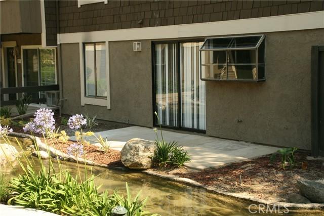 18. 27 Streamwood #27 Irvine, CA 92620