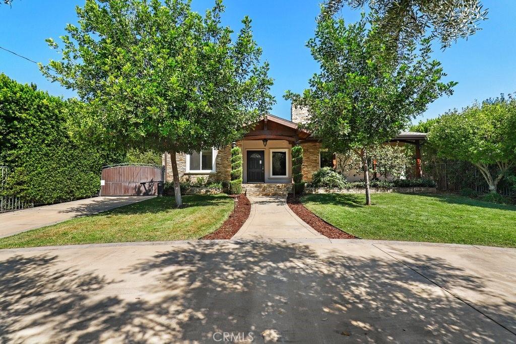 Photo of 605 W Orange Grove Avenue, Sierra Madre, CA 91024