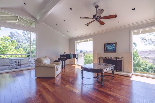 1039 N Ridgeline Road, Orange, California