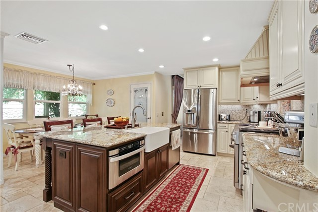 17. 22111 Elsberry Way Lake Forest, CA 92630