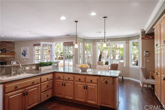 Great area to cook, chat, entertain!